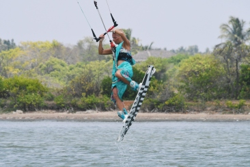 2019 05 12 05.07.22 1 - Have you ever Kiteboarded in a Saree?